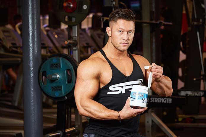 5 najważniejszych odżywek dla trenujących siłowo